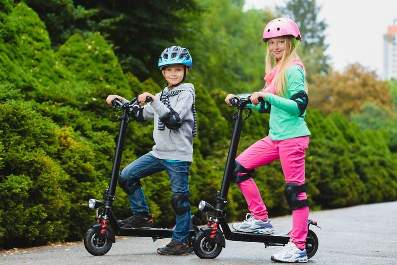 Best Electric Scooters For Kids (Boys and Girls) in 2020 Reviews [Updated] 1